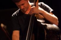 25/04/2013 Zavod SPLOH predstavlja: Marko Karlovčec ( saksofon), Andrej Fon ( klarinet, gajde), Tomaž Grom ( kontrabas) & Kruno Levačić ( udaraljke) @ MM centar